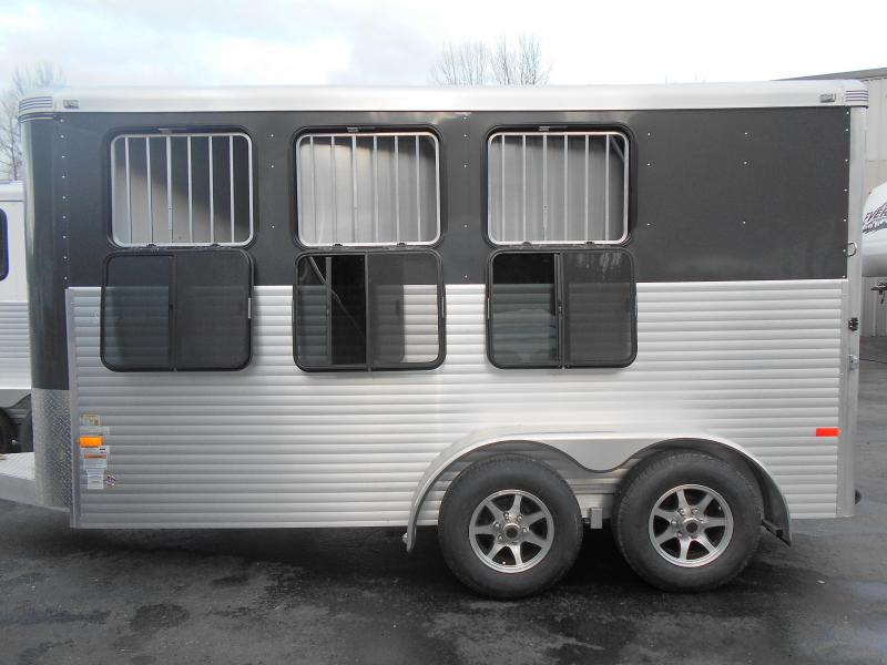 2016 & 2015 Sundowner Horse Trailers BLOWOUT SALE!!!