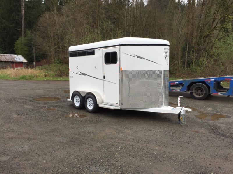 2016 Deluxe Fabform Vision 2 Horse Trailer