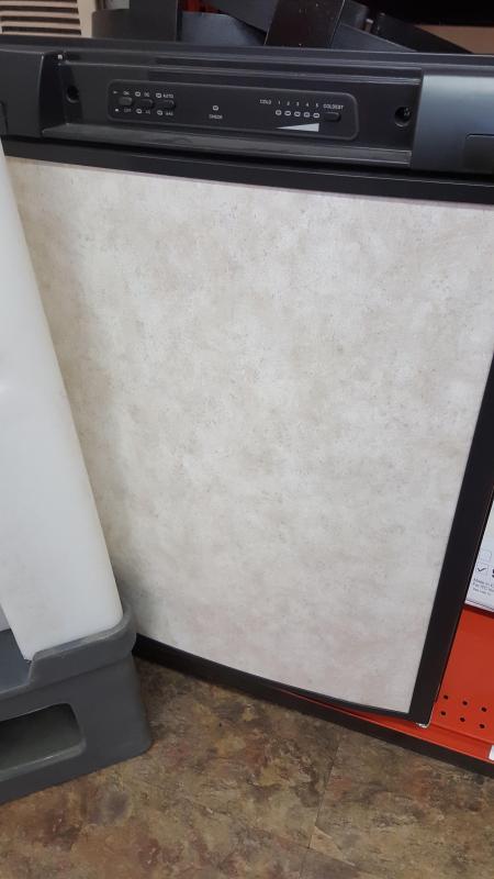 3.0 cu ft Refrigerator