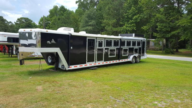 1999 Cato 6 Horse Slant Load Horse Trailer with LQ