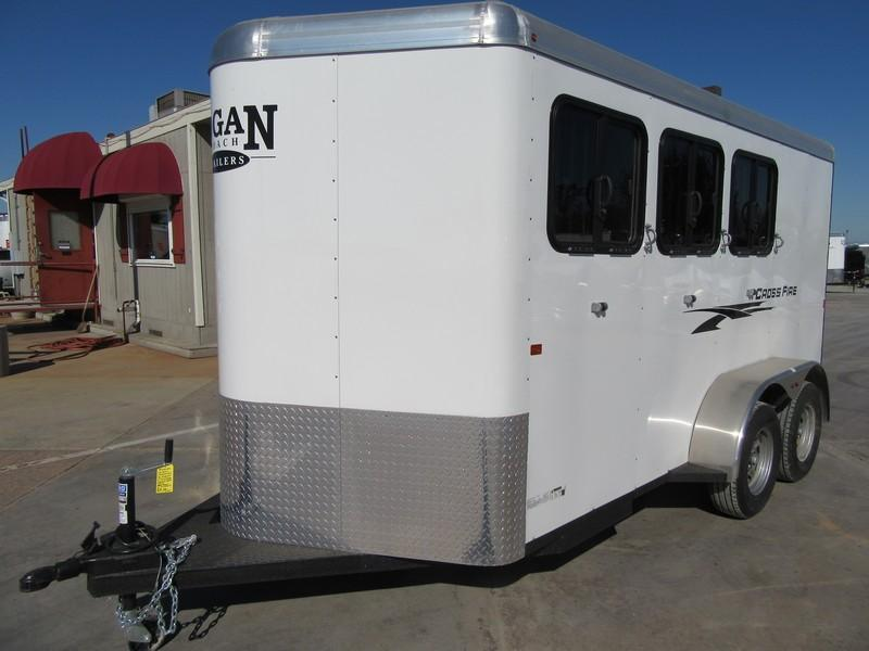 New 2018 Logan Coach Crossfire 3H Horse Trailer Vin05927