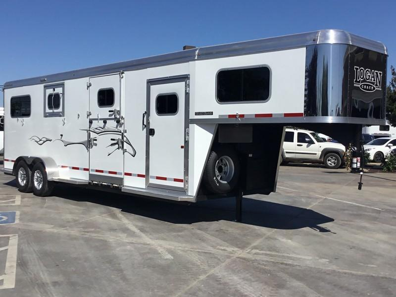 2019 Logan Coach 2 plus 1 Warmblood XT GN Horse Trailer