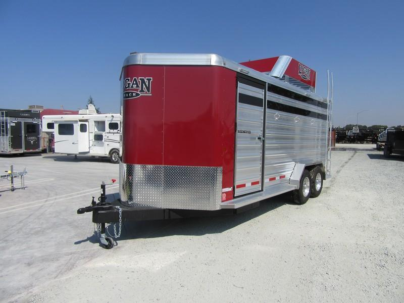 New 2017 Logan Coach Stock Combo BP 3H Horse Trailer