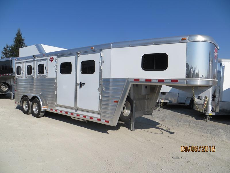 2017 Hart Trailers Tradition Horse Trailer 3H Smart tack VIN:51019