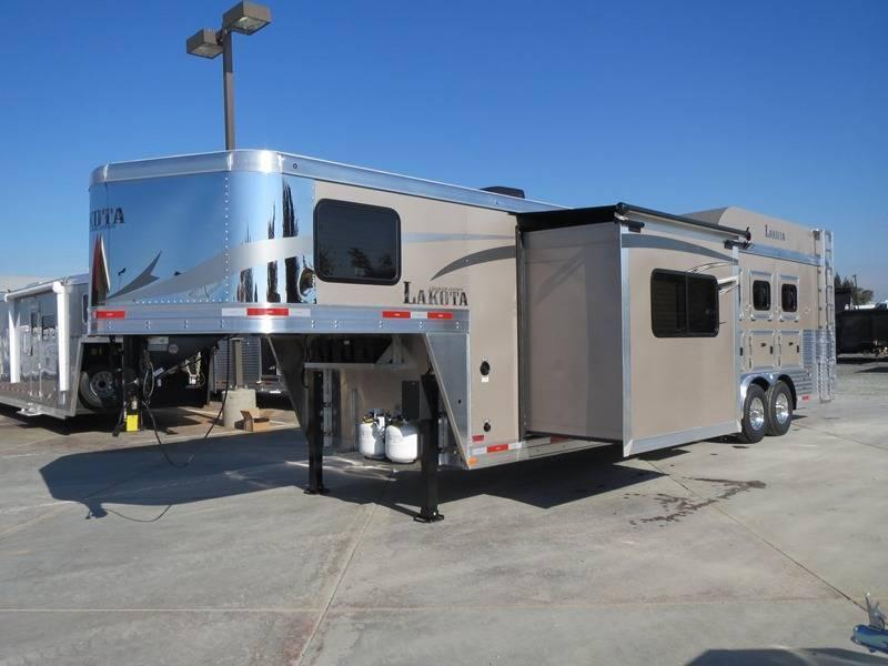 New 2016 Lakota Charger C8411 4H GN Living Quarters Horse Trailer VIN 01049