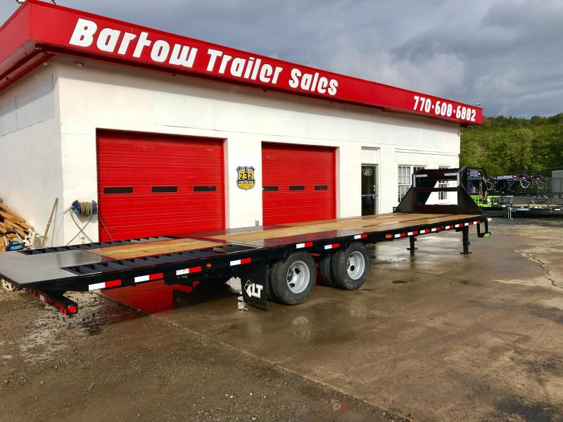 New Load Trail 30ft Hydraulic Dovetail Flatbed Trailer