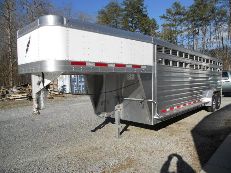 2016 Featherlite 8127 Livestock 24' Trailer