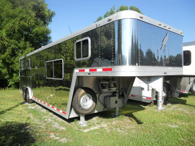 2002 Featherlite 3-Horse Trailer in Stainless Steel
