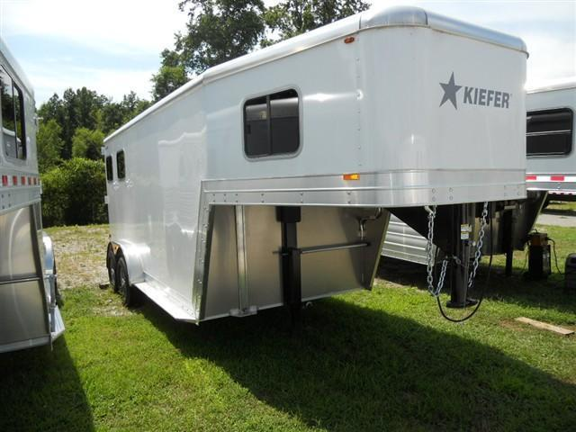Kiefer Genesis 2 Horse Slant Load Gooseneck Horse Trailer