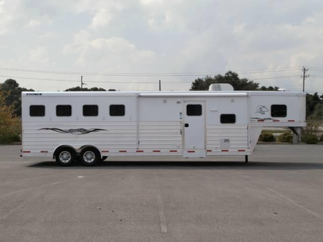 2013 Sooner 11FT LQ Loaded Horse Trailer