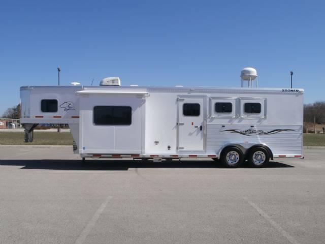 2014 Sooner 11FT LQ Slide Full 7 Wide 7.6 Tall Horse Trailer