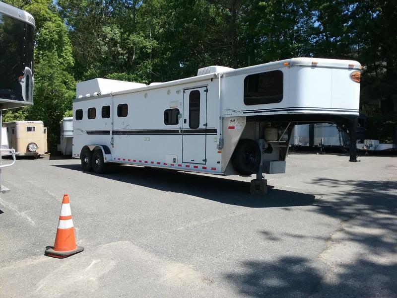 2003 Sundowner Trailers Trail Blazer III 4h LQ Horse Trailer  4h
