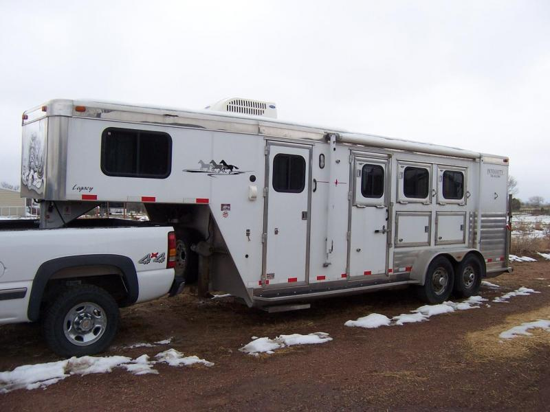 2003 Integrity Trailers Legacy Horse Trailer