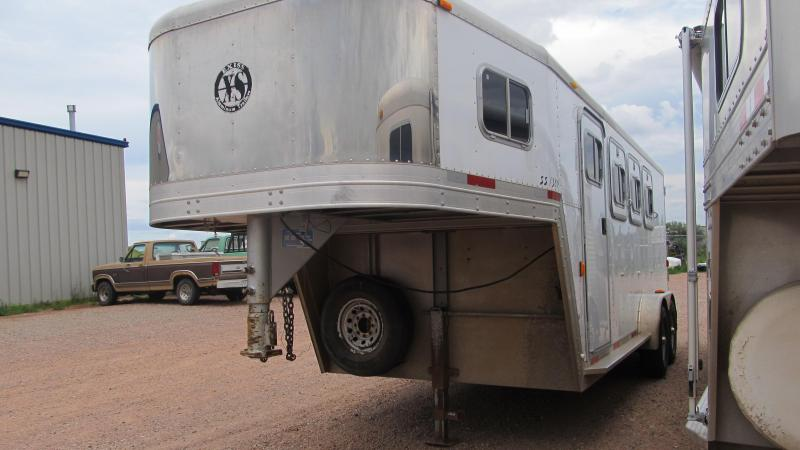 1999 Exiss Trailers 3  Horse Trailer