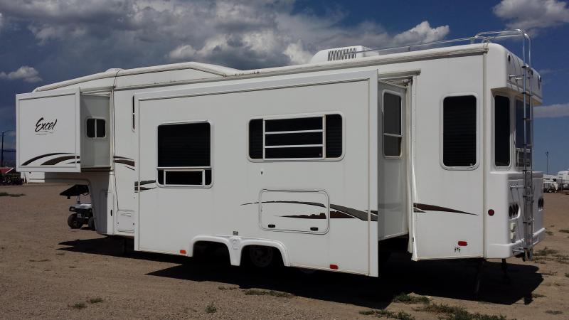 2005 Excel 5th Wheel Camping Trailer