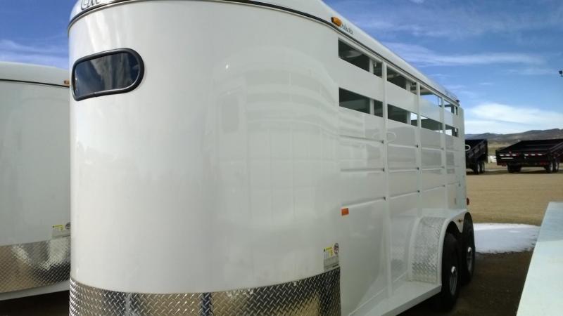 2015 CM Dakota 3 Horse Trailer