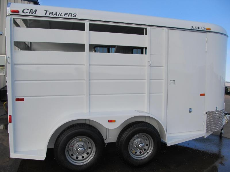 2014 CM Dakota 2H Horse Trailer