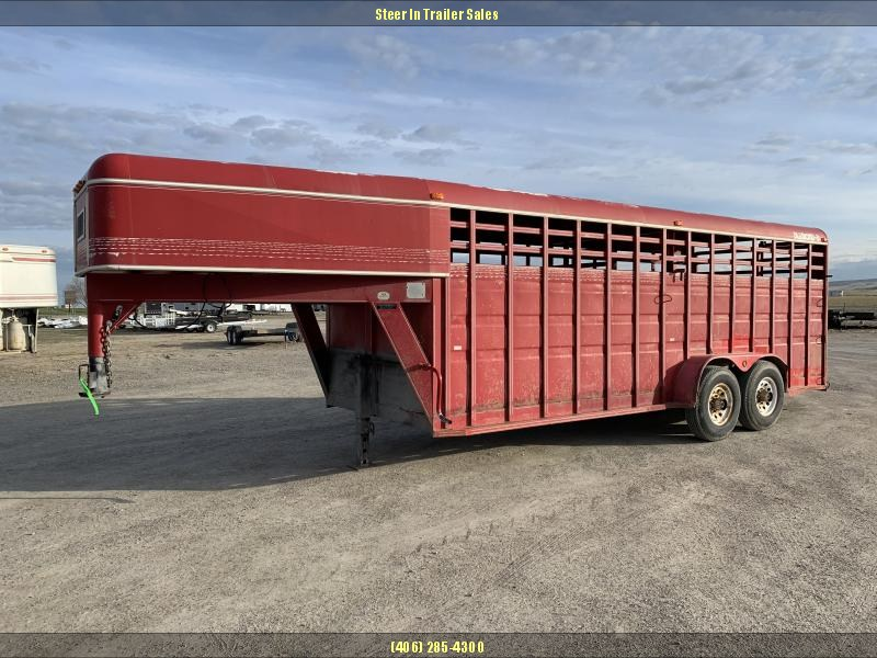 1994 Diamond D 20 STOCK Livestock Trailer