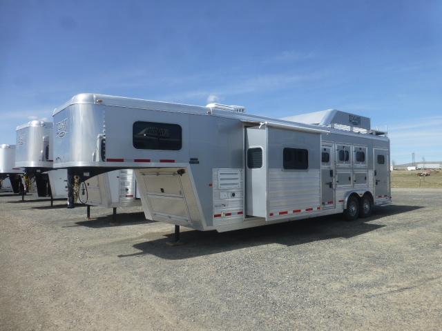 2017 Logan 811 RAZOR - PLATINUM PKG 3 Horse LQ
