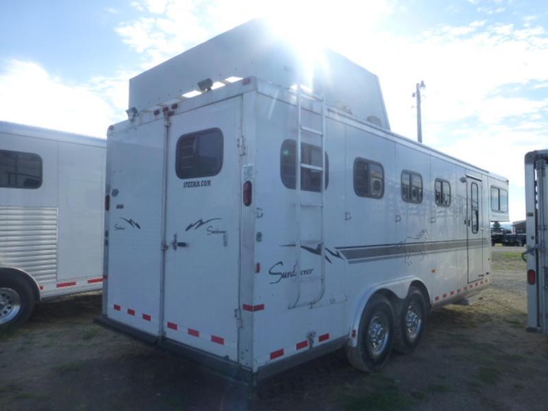 2007 Sundowner 727 Sunlite  4H Horse Trailer