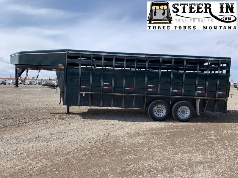 2010 Titan 20' Standard Livestock Trailer