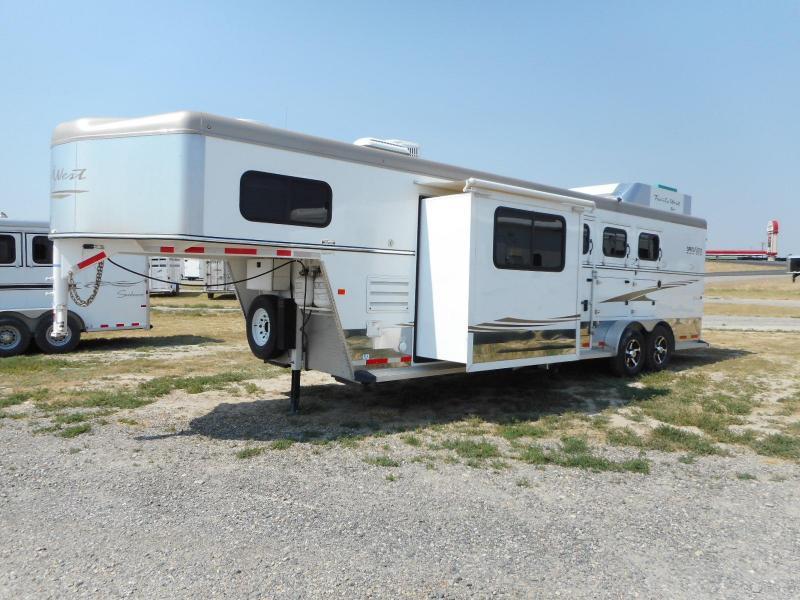 2014 Trails West Sierra LQ Horse Trailer