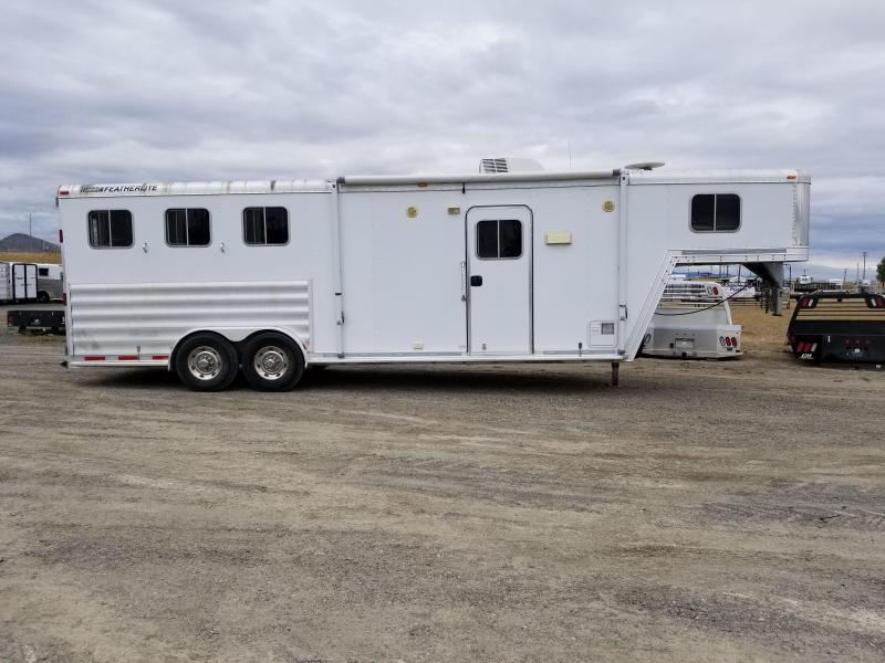 2008 Featherlite 3H LQ Horse Trailer