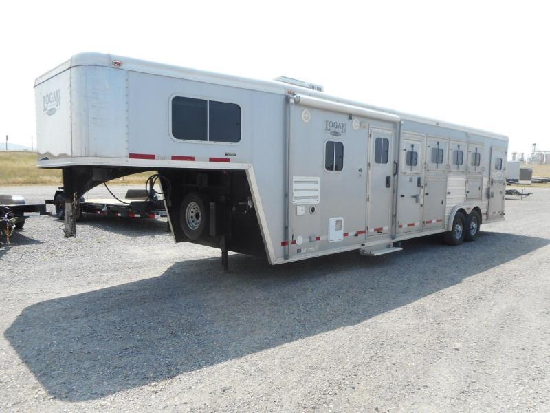 2012 Logan Coach STS Razor XLT Horse Trailer