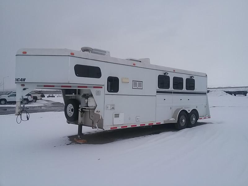 2000 American Coach 3H w/midtack LQ Horse Trailer