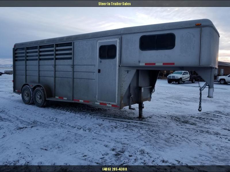 2007 CM 4 Horse Goose Neck Trailer
