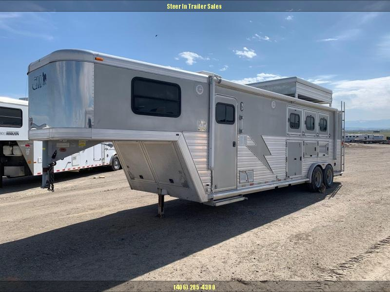 2002 CM 3H Living Quarters Horse Trailer