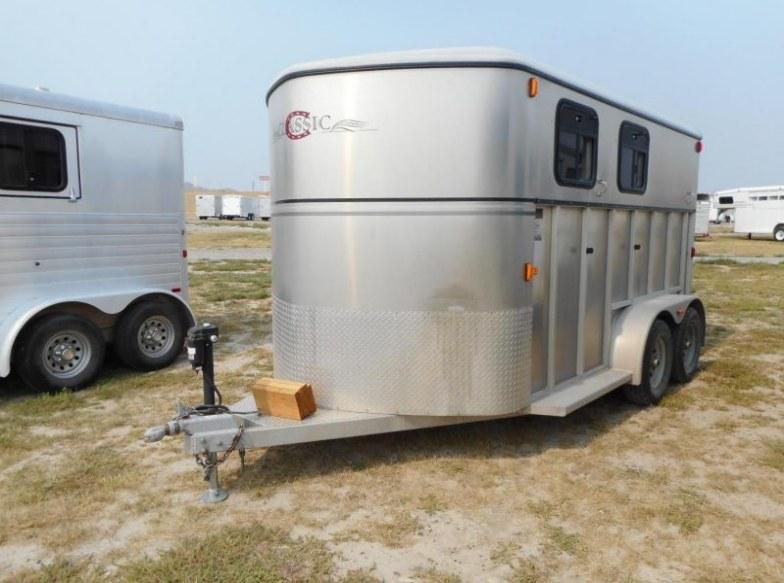 2004 Classic 2H Horse Trailer