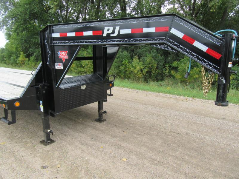 2019 PJ Trailers Low-Pro Gooseneck Flatbed Trailer