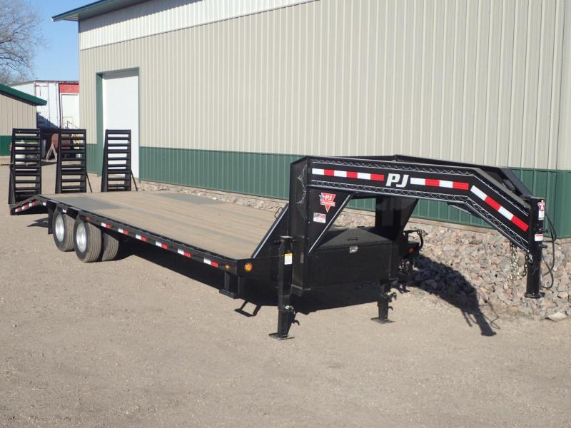 2019 PJ 28' Low-Pro Flatdeck with Duals