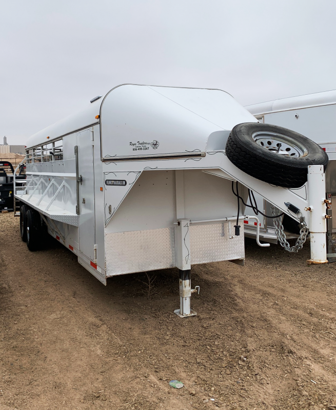 2013 Reyes 22 ft Livestock Trailer