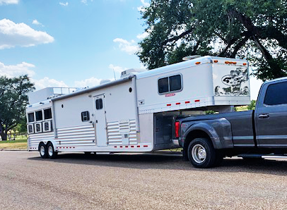 2006 4-Star 3 Horse Living Quarters Trailer