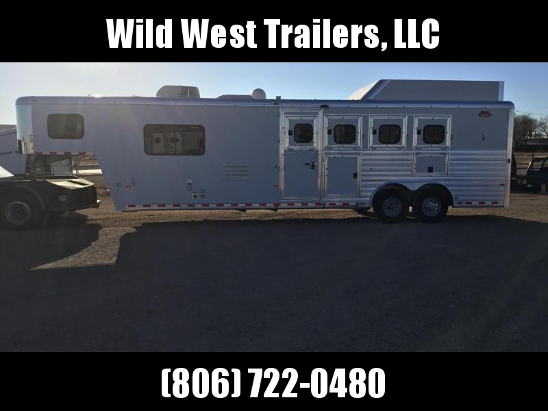 2010 Hart Trailers 4 Horse Trailer