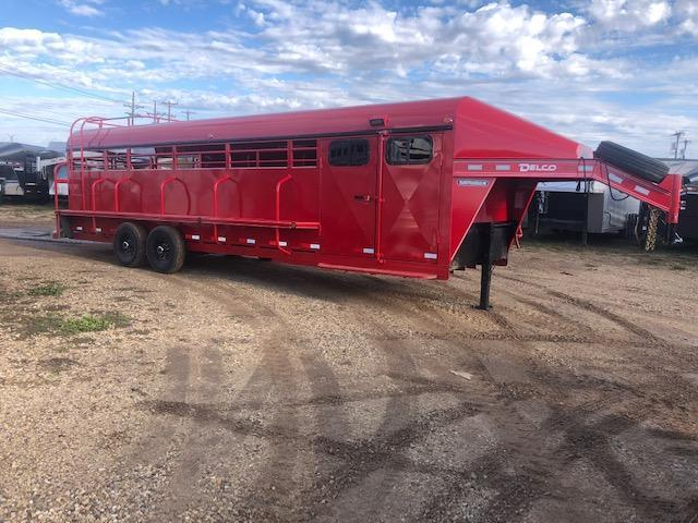 2019 Delco Smart Tack Horse Trailer