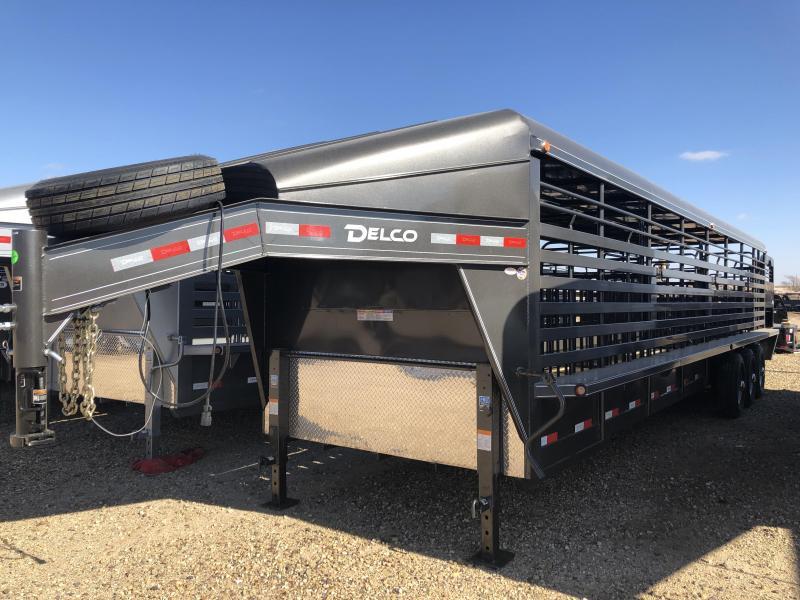 2019 Delco Trailers 32 ft Metal Top Livestock Trailer