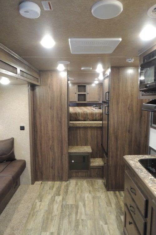 2020 Lakota Charger 311 Horse Trailer w/ Slide and Mangers