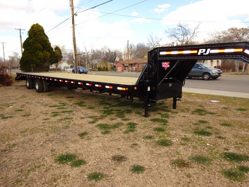 2018 PJ Trailers 35 Classic Flatbed Trailer