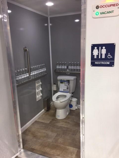 UltraLav WC6201-ADA-4 5-Stall Restroom Trailer