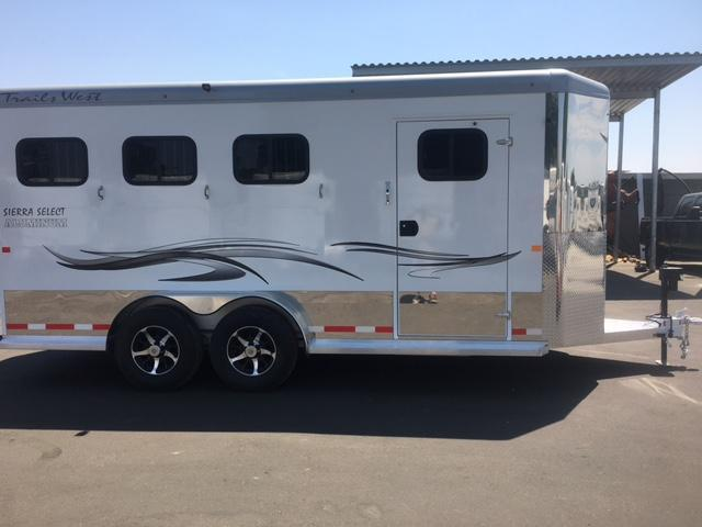 2018 Trails West Sierra Select   3 Horse Trailer (7