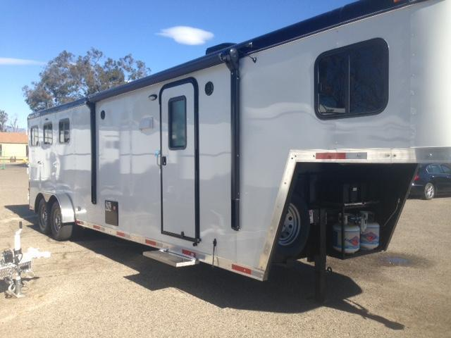 2015 Hoosier 3 Horse Living Quarter Horse Trailer