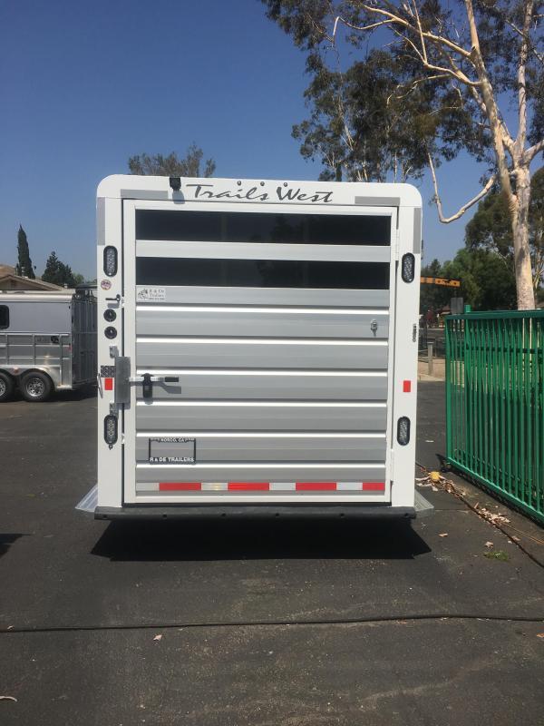 2017 Trails West Manufacturing Santa Fe Horse Trailer