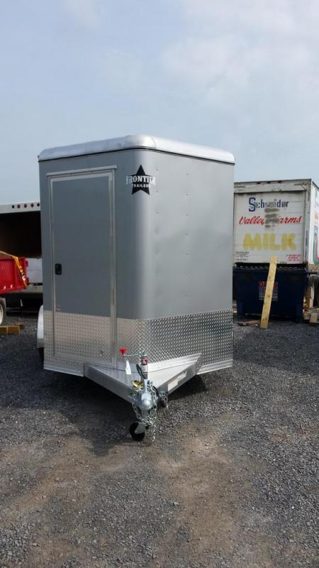 2015 Closeout! Save $1339 - Frontier Aluminum Trailers StarLite Series 2-horse straight load Horse Trailer
