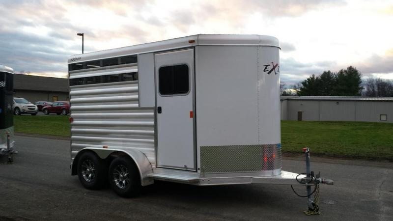 2016 Exiss Express CX Edition Horse Trailer