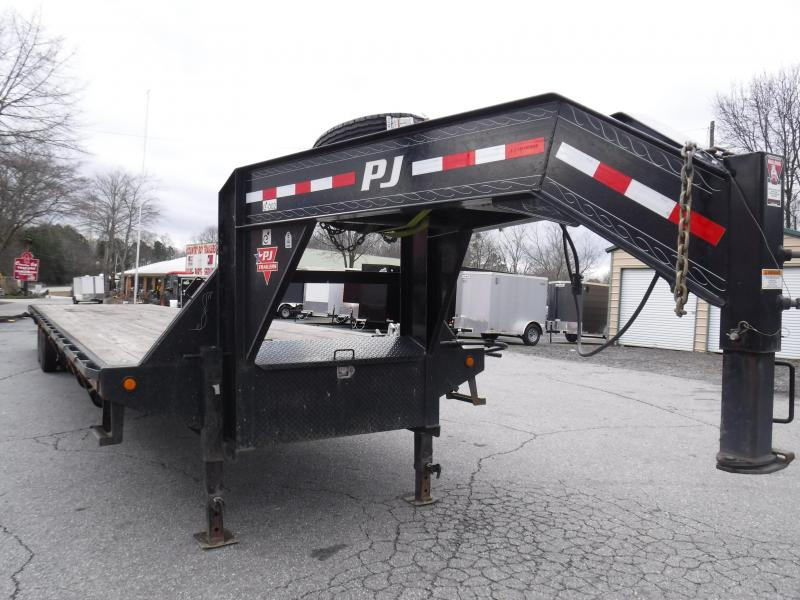 2019 PJ Trailers FD402 Equipment Trailer