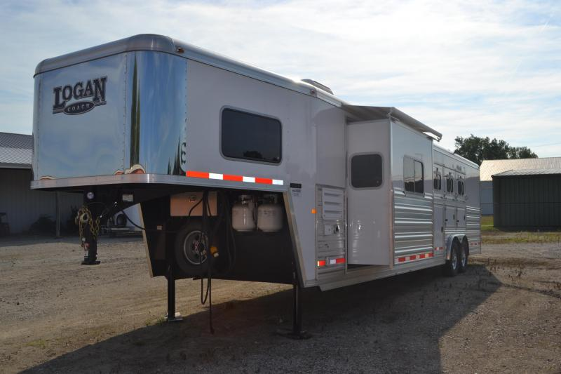 1999 Sooner Trailers 4 Dressing Room & Awning Horse ...