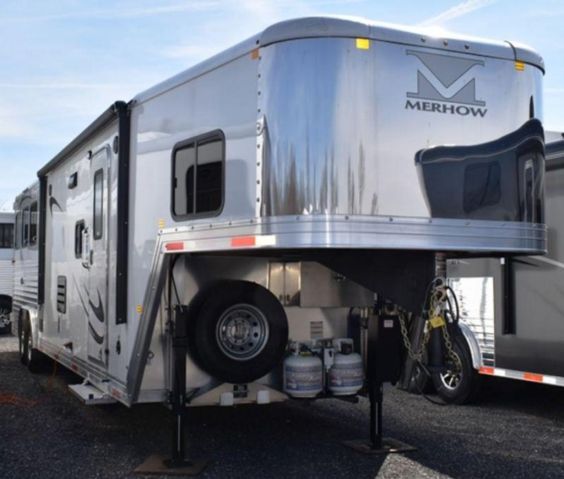 2019 Merhow Trailers Next Generation 8313.5 Alumastar Horse Trailer
